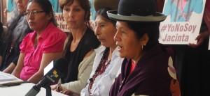 Mujeres indígenas de América protestan contra 'La Paisana Jacinta'